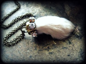 lucky-rabbit-foot-necklace