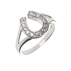 lucky-horseshoe-charm-ring