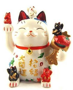 maneki neko attract good fortune